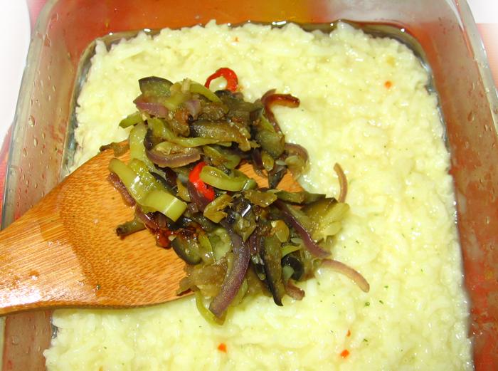 Piept de pui cu legume coapte si orez