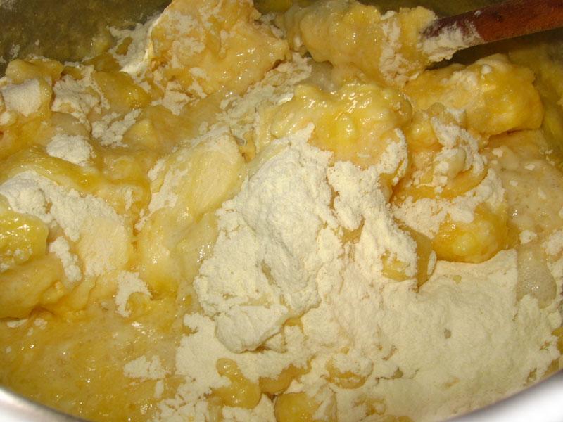 Cornulete cu marmelada si nuca