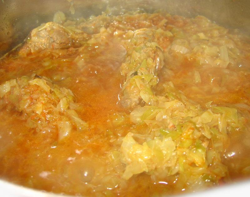 Varza proaspata cu coaste de porc