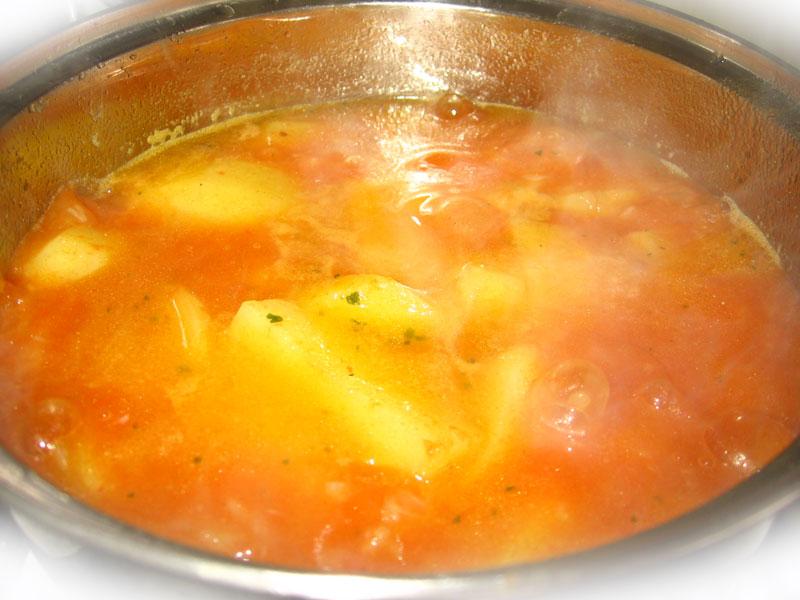 Mancare de cartofi si castraveciori