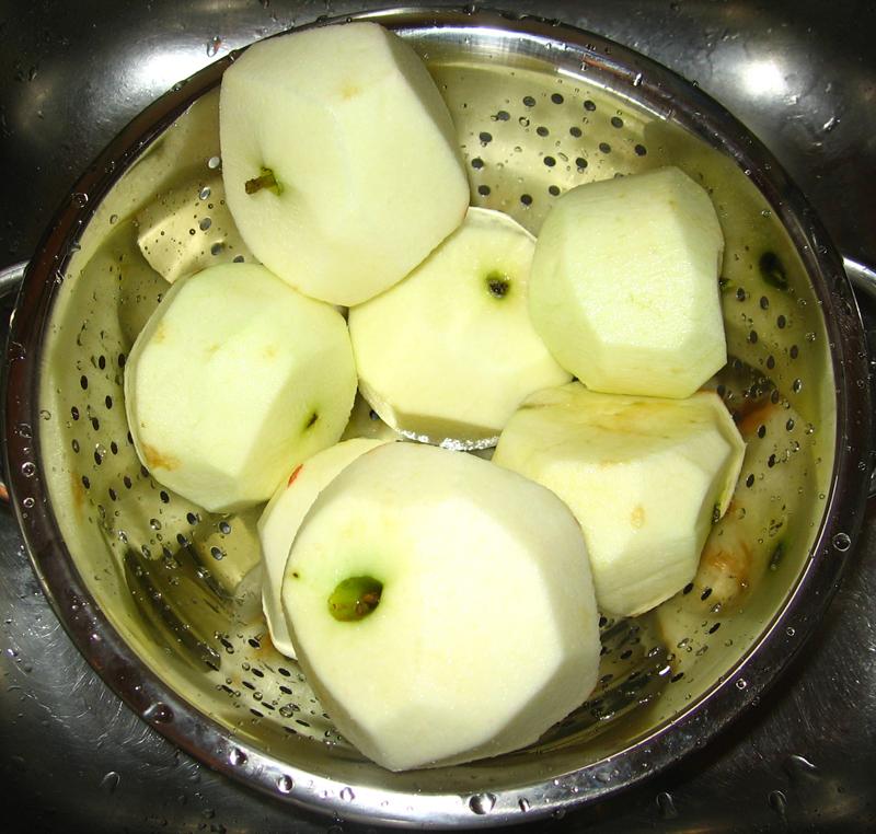 Prajitura cu mere glazurata