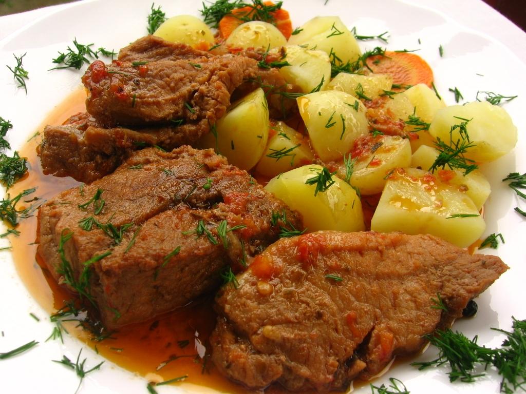 Friptura de porc cu sos de vin