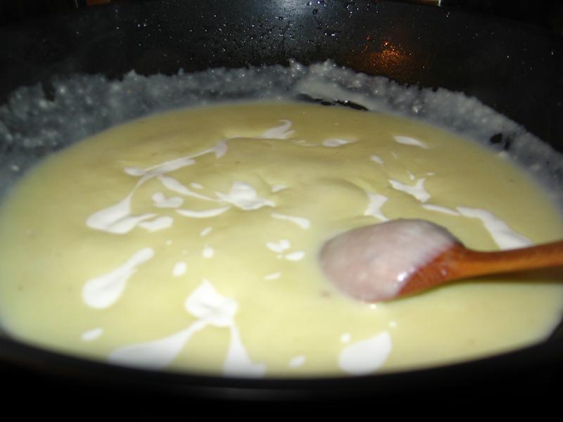 Pulpe de gaina  cu sos de smantana
