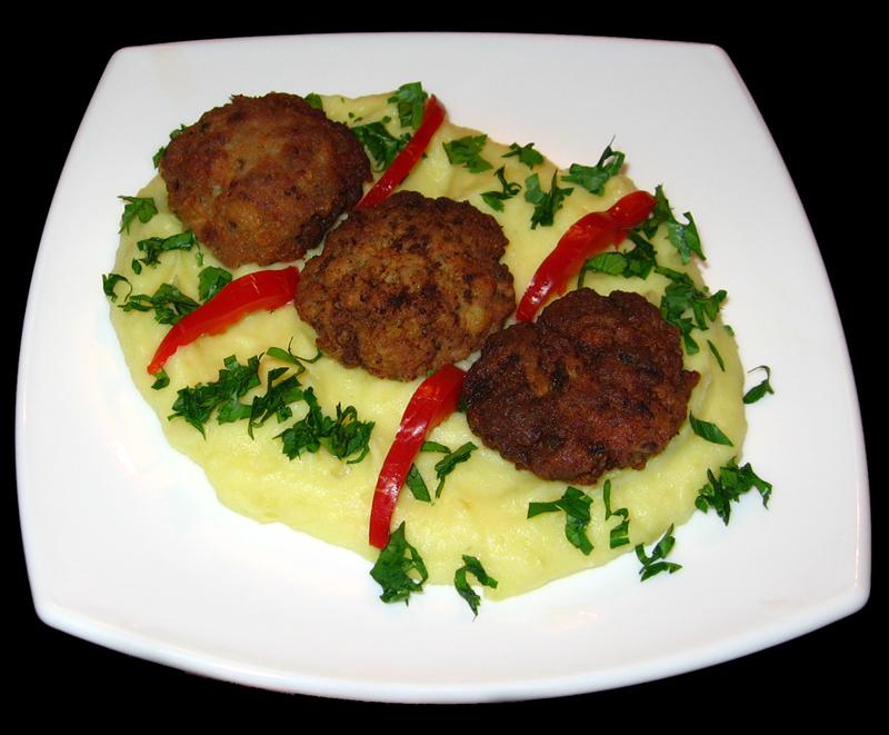 Chiftelute cu piure de cartofi