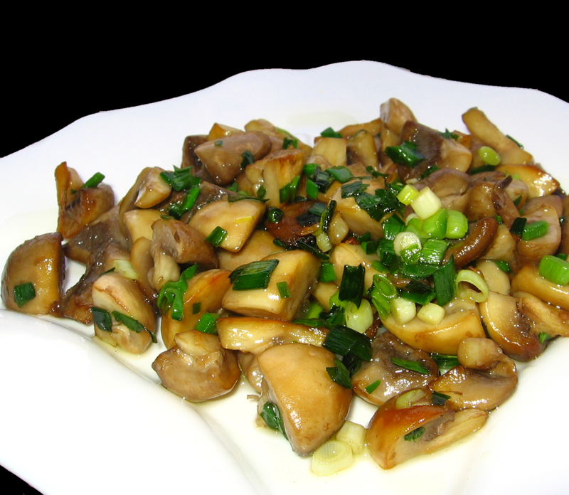 Ciuperci cu usturoi verde
