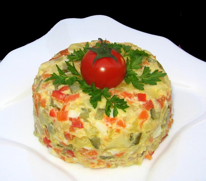 Salata de curcan si legume