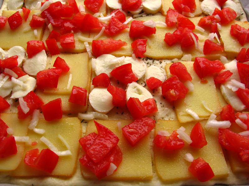 Pizza cu rosii