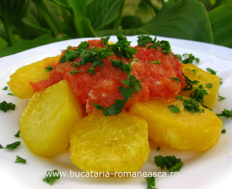 Cartofi cu sos de rosii