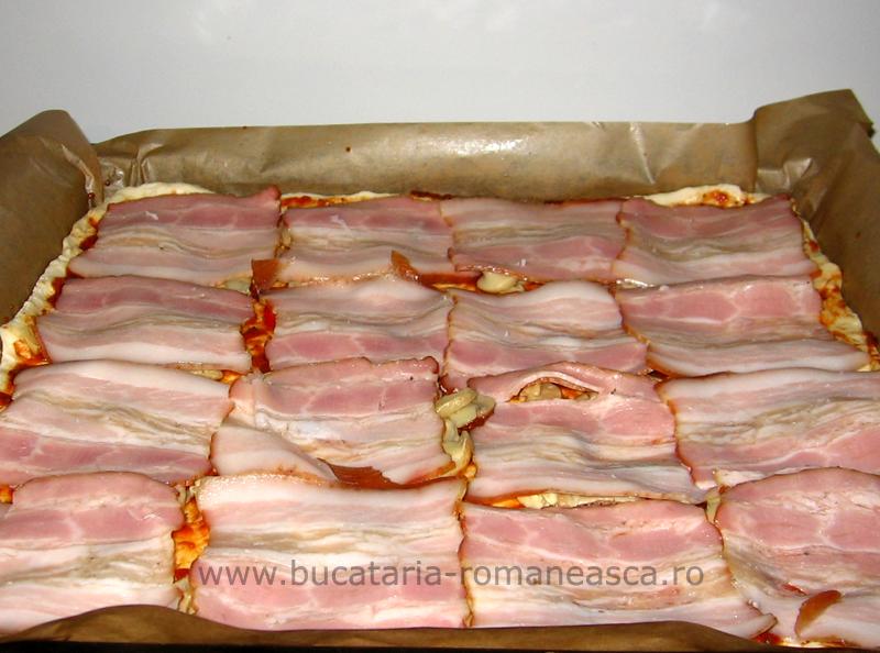 Pizza cu bacon si ciuperci