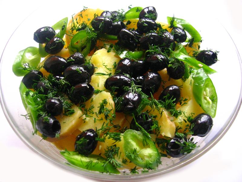 Salata de cartofi cu masline