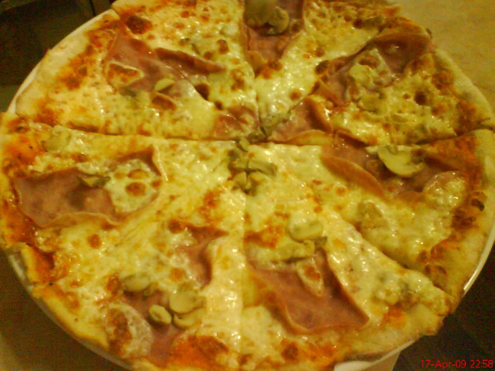 Pizza prosciuto e fungi