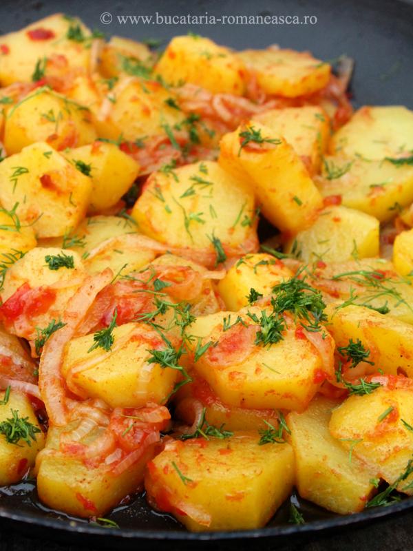 Cartofi in sos de rosii