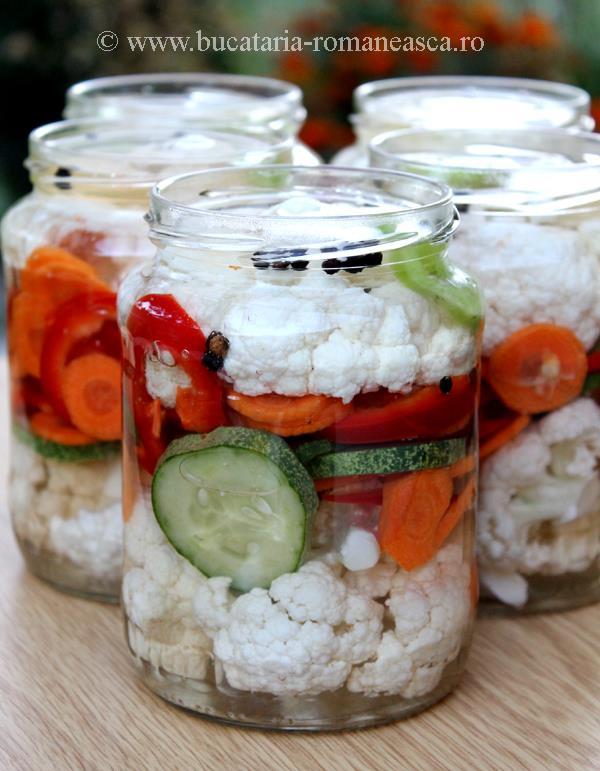Conopida cu legume la otet