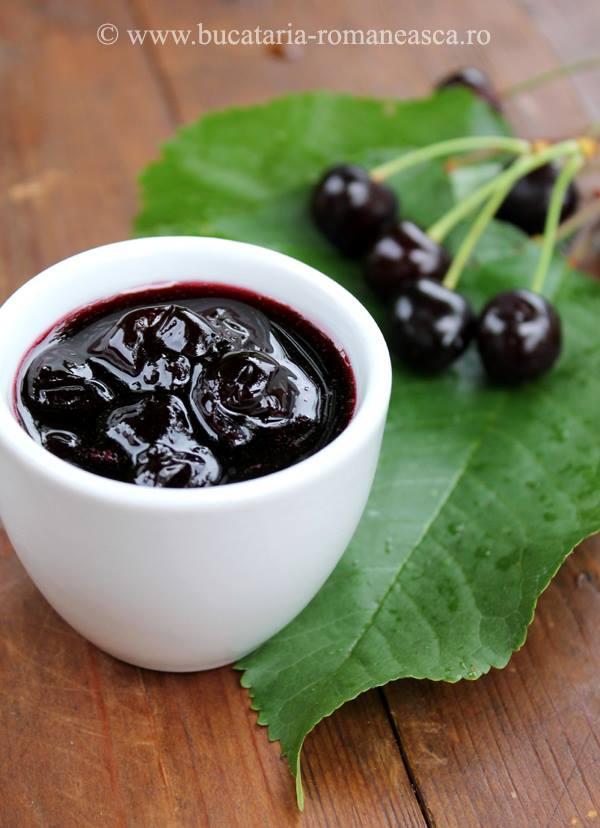 Dulceata de cirese negre