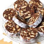 Salam de biscuiti cu ciocolata si stafide